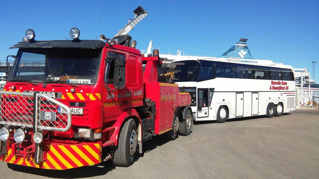 Эвакуатор в Гомеле легковой и грузовой